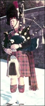 Pipe Major Bob Shepherd Leading Dysart and Dundonald